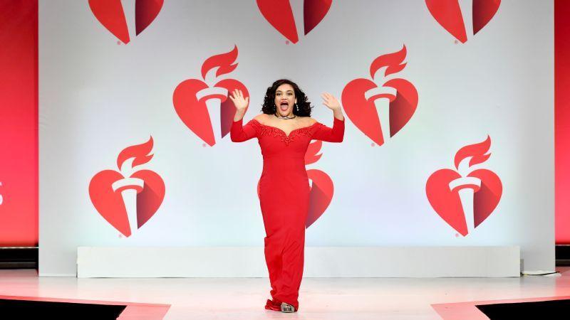 Laurie Hernández se enfoca en los Juegos Olímpicos de 2020, pero encuentra tiempo para causas cercanas a su corazón