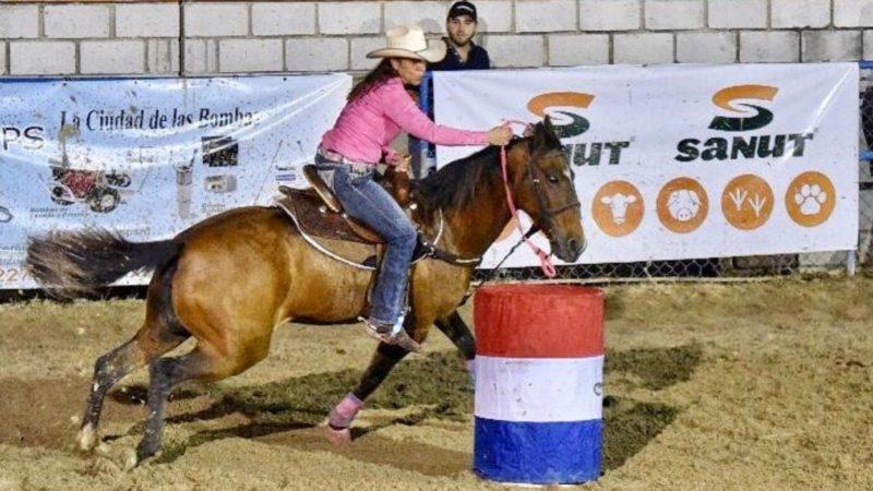 Vilma Gómez campeona en torneo de ecuestre