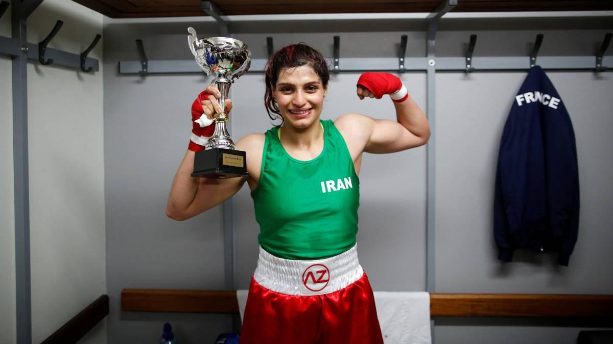 La primera iraní campeona de boxeo será arrestada por pelear sin mangas