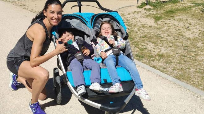 Beatriz Morillo bate el récord Guinness de medio maratón con carrito de dos niños